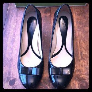 Naturalizer size 8.5 black patent heels